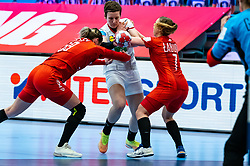 (L-R) Natalia Nosek of Poland, Alina Grijseels of Germany, Aneta Labuda of Poland during the Women's EHF Euro 2020 match between Germany and Poland at Sydbank Arena on december 07, 2020 in Kolding, Denmark (Photo by RHF Agency/Ronald Hoogendoorn)