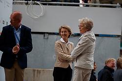 Röser, Klaus (GER);<br /> Leyen, Ursula von der (Bundesverteidigungsminister);<br /> Winter-Schulze, Madeleine (GER), <br /> Aachen - CHIO 2017<br /> Grand Prix Kür, Grosser Dressurpreis von Aachen<br /> © www.sportfotos-lafrentz.de/Stefan Lafrentz