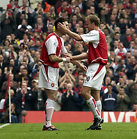 Picture: Henry Browne, Digitalsport<br /> NORWAY ONLY<br /> <br /> Date: 01/05/2004.<br /> Arsenal v Birmingham City FA Barclaycard Premiership.<br /> <br /> Martin Keown comes on to replace Dennis Bergkamp.
