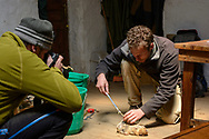 Lorenz Andreas Fischer bei der Arbeit auf dem Sanetti Plateau im Bale Mountains Nationalpark im Süden von Aethiopien