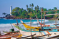 Sri Lanka, province du sud, district de Matara, village de Dondra, phare Dondra depuis la plage // Sri Lanka, Southern Province, Matara district, Dondra beach and Lighthouse