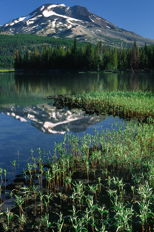"""Sparks Lake is located about 25 miles west of Bend, Oregon, off the Cascade Lakes Highway. The lake was named for """"Lige"""" Sparks, a pioneer stockman of central Oregon."""