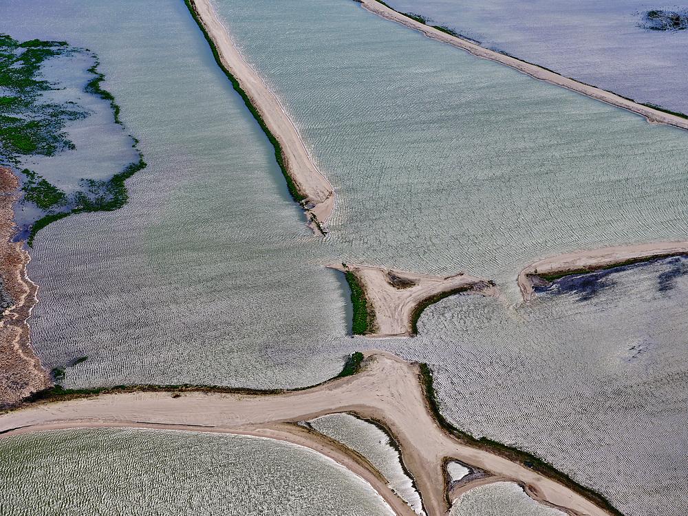 Nederland, Flevoland, Markermeer, 07-05-2021; Marker Wadden in het Markermeer. Doel van het project van Natuurmonumenten en Rijkswaterstaat is natuurherstel, met name verbetering van de ecologie in het gebied, in het bijzonder de kwaliteit van bodem en water. De Marker Wadden archipel bestaat momenteel uit vijf eilanden, twee nieuwe eilanden zijn in ontwikkeling.<br /> Marker Wadden, artifial islands. The aim of the project is to restore the ecology in the area, in particular the quality of soil and water.<br /> The Marker Wadden archipelago currently consists of five islands, two new islands are under development.<br /> luchtfoto (toeslag op standard tarieven);<br /> aerial photo (additional fee required)<br /> copyright © 2021 foto/photo Siebe Swart