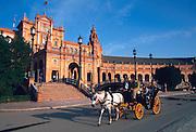 SPAIN, ANDALUSIA, SEVILLE Plaza de Espana, carriage rides