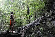 """""""Percibí el llanto y agonía de vestigios sepultados por una civilizada ignorancia"""".<br /> <br /> El emberá y el bosque   pluviselva / comunidad indígena emberá, Panamá.<br /> <br /> II PREMIO EN CONCURSO DE FOTOGRAFÍA FOREST FINANCE 2011, PANAMÁ.<br /> <br /> II AWARD IN PHOTO CONTEST FOREST FINANCE 2011, PANAMA.<br /> <br /> Edición limitada de 10 - Fine Art"""