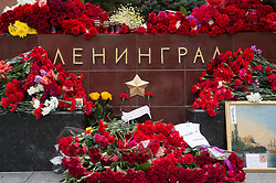 April 4, 2017 - Moscow, Russia - April 4, 2017. - Russia, Moscow. - People lay flowers at the 'Leningrad' memorial on the Hero Cities Alley of the Alexander Garden in memory of the victims of the explosion in the St. Petersburg metro. (Credit Image: © Russian Look via ZUMA Wire)