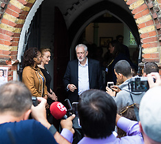 2017-06-15 Grenfell Tower Fire: Jeremy Corbyn visits St Clement's Church relief centre.