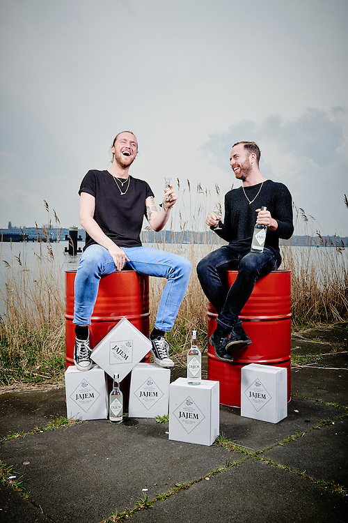 Amsterdam 31-03-16  Jamie van der Will,  Maarten de Vries an Jajem Amsterdam Jenever ©Marco Hofste