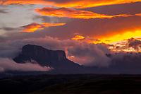 Kukenan Tepui, Kukenan Falls and Roraima at Sunrise, Gran Sabana, Venezuela