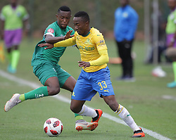 16092018(Durban) Lebohang Maboe holding a ball with Ramphela Augustine at a match were AmaZulu FC targeted an upset win over Mamelodi Sundowns when the teams meet at King Zwelithini Stadium on 16 September 2018<br /> Picture: Motshwrai Mofokeng/African News Agency (ANA)