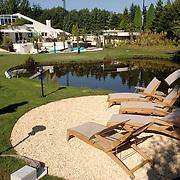 NLD/Eemnes/20060921 - Perspresentatie de Gouden Kooi, villa + tuin