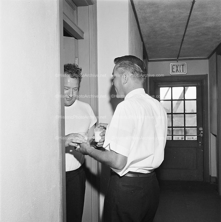 Y-620916-16-08. Oregon Restaurant Association first annual convention, Hotel Gearhart, Surfside Motel. September 16/17/18, 1962