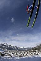Hopp<br /> Hoppuka 2005/2006<br /> Foto: imago/Digitalsport<br /> NORWAY ONLY<br /> <br /> 31.12.2005  <br /> <br /> Lars Bystøl  (Norwegen) fliegt ins Tal von Garmisch Partenkirchen