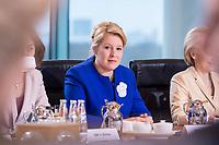 14 MAR 2018, BERLIN/GERMANY:<br /> Franziska Giffey, SPD, Bundesministerin fuer Familie, Senioren, Frauen und Jugend, vor Beginn der ersten Sitzung des Kabinetts Merkel IV, Kabinettsaal, Bundeskanzleramt<br /> IMAGE: 20180314-02-018<br /> KEYWORDS: Kabinett, Kabinettsitzung, Sitzung,, neues Kabinett