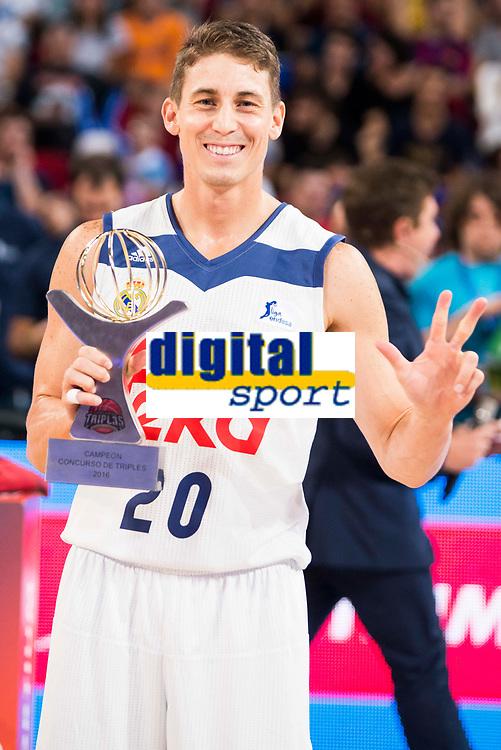 Real Madrid's player Jaycee Carroll win the 3 shot contest of Supercopa of Liga Endesa Madrid. September 24, Spain. 2016. (ALTERPHOTOS/BorjaB.Hojas)