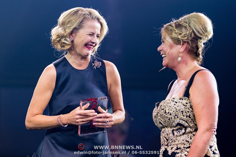 NLD/Amsterdam/20180616 - 26ste AmsterdamDiner 2018, Award voor Pr. Mabel