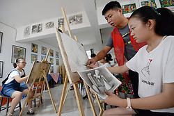 July 26, 2018 - Handan, Handan, China - Handan, CHINA-Students learn sketching during their summer vacation in Handan, north China's Hebei Province. (Credit Image: © SIPA Asia via ZUMA Wire)