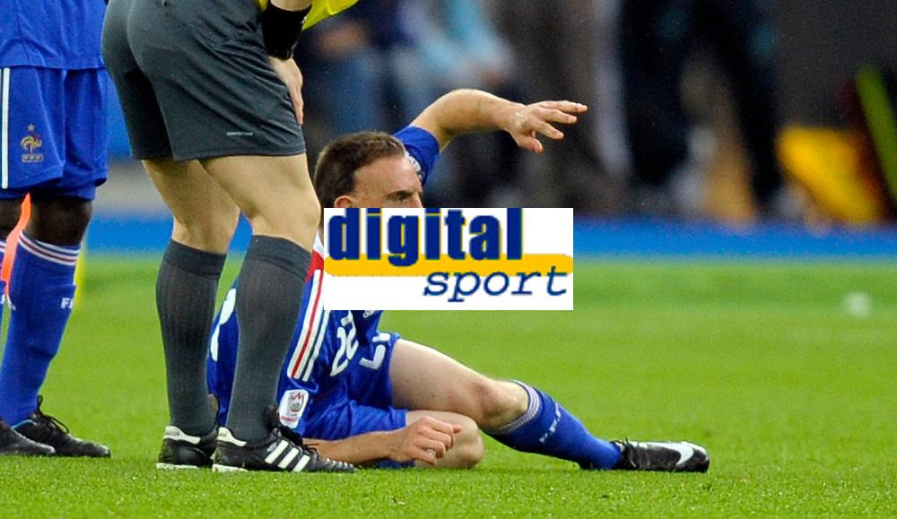 Franck Ribery (FRA) muss verletzt vom Platz © Valeriano Di Domenico/EQ Images
