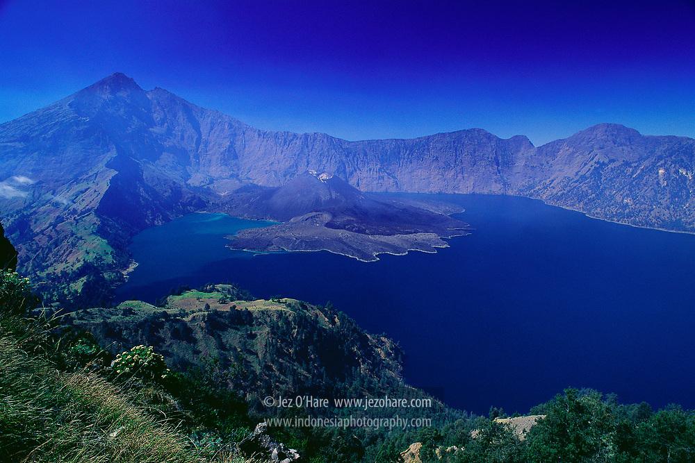 Mount Rinjani 3726m & Lake Segara Anak, Lombok, West Nusa Tenggara, Indonesia.