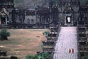 Monks at Angor Wat