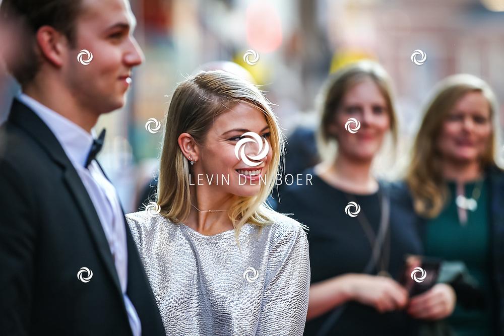 AMSTERDAM - De Nederlandse premiere van Elle, de nieuwste film van regisseur Paul Verhoeven. Met hier Sarah Chronis en partner Kay Greidanus op de rode loper. FOTO LEVIN & PAULA PHOTOGRAPHY
