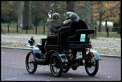 November 6, 2016 - London, London, United Kingdom - Image ©Licensed to i-Images Picture Agency. 06/11/2016. London, United Kingdom. ..The London to Brighton Veteran Car Run 2016...A 1901 De Dion Bouton Voiturette driven by Stuart Evison along the Mall in central London, UK, on the first leg of the journey from London to Brighton...Picture by Ben Stevens / i-Images (Credit Image: © Ben Stevens/i-Images via ZUMA Wire)