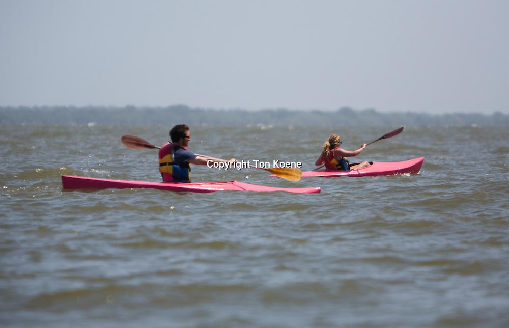 canoeing at lake nicaragua