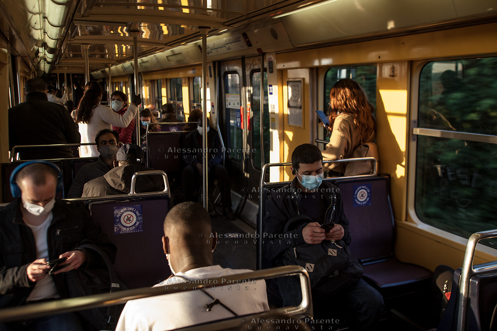 Many people have no other choice but public transport to go to work. The public system is still limited, but so many people start mooving again and sometimes there's no chance to keep the distances.