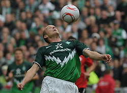 18.09.2010, Weserstadion, Bremen, GER, 1. FBL, Werder Bremen vs 1. FSV Mainz 05, im Bild Petri Pasanen (Bremen #3)   EXPA Pictures © 2010, PhotoCredit: EXPA/ nph/  Frisch+++++ ATTENTION - OUT OF GER +++++ / SPORTIDA PHOTO AGENCY
