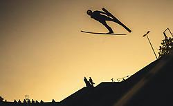 29.09.2018, Energie AG Skisprung Arena, Hinzenbach, AUT, FIS Ski Sprung, Sommer Grand Prix, Hinzenbach, im Bild Andreas Wellinger (GER) // Andreas Wellinger of Germany during FIS Ski Jumping Summer Grand Prix at the Energie AG Skisprung Arena, Hinzenbach, Austria on 2018/09/29. EXPA Pictures © 2018, PhotoCredit: EXPA/ JFK