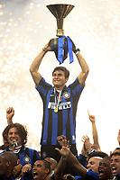 """Javier Zanetti<br /> L'Inter festeggia il 16mo scudetto. Celebration for Inter winning italian championship<br /> Milano 18/05/2008 Stadio """"Giuseppe Meazza"""" <br /> Campionato Italiano Serie A<br /> Foto Papermg/Insidefoto"""