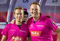 ANTWERPEN -  De Nederlandse scheidsrechters Jonas van 't Hek (l) en Coen van Bunge  tijdens halve finale mannen, Belgie-Duitsland (4-2)  ,  bij het Europees kampioenschap hockey.  COPYRIGHT KOEN SUYK