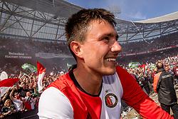 14-05-2017 NED: Kampioenswedstrijd Feyenoord - Heracles Almelo, Rotterdam<br /> In een uitverkochte Kuip pakt Feyenoord met een 3-0 overwinning het landskampioenschap / Steven Berghuis #19
