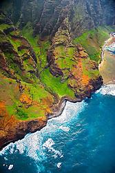 """Nu`alolo or Nu`alolo Valley, """"Fat Man's Misery"""" rock and Nu`alolo Kai or Nualolo Kai beach on the right, Na Pali coast, Kauai, Hawaii, Pacific Ocean"""