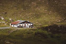 THEMENBILD - ein Bauernstall bei einer Wanderung zum Wildsee mit dem Wildseeloderhaus, aufgenommen am 20. Oktober 2018 in Fieberbrunn, Österreich // a farmer's stable on a hike to the Wildsee with the Wildseeloderhaus, Fieberbrunn, Austria on 2018/10/20. EXPA Pictures © 2018, PhotoCredit: EXPA/ JFK
