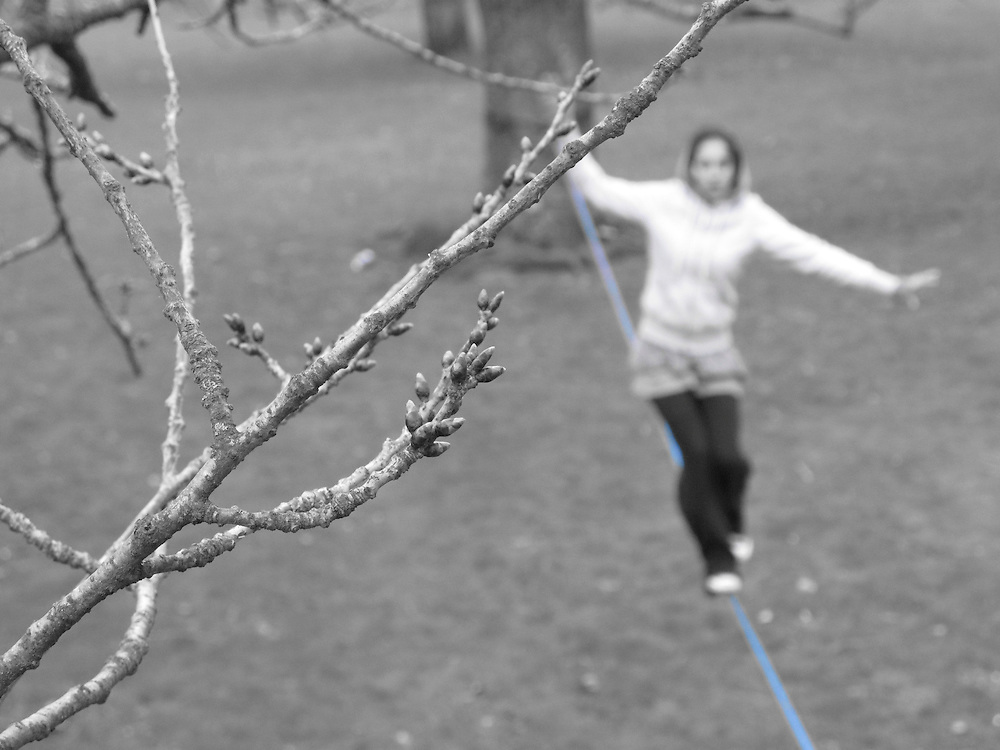 Slackline PT athlete Sara Marques, slacklining in Bute park during a Slack Trip in the U.K. Sara is the first and only Portuguese woman to have attended the HIghlinePT 2011 and attempting the to cross the first Highline rigged in Portugal.