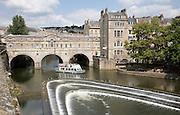 Pulteney bridge and weir, River Avon, Bath, England