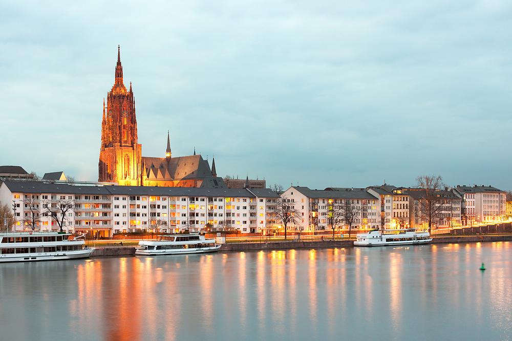 Saint Bartholomeus's Cathedral and river Main, Frankfurt, Hesse, Germany