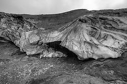 Ice caves at Hrafntinnusker, highlands of Iceland - Íshellar við Hrafntinnusker