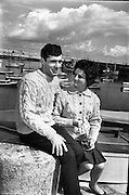 The height of fashion! Aran knitwear, traditionally worn by fishermen in the West of Ireland, became a 'must-have' souvenir for visitors to Ireland. It's complicated patterns included single and double cable, 'tree of life', honeycomb and blackberry stitches, all said to have specific meanings..13.07.1963
