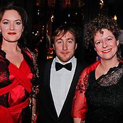 NLD/Amsterdam/20110124 - Uitreiking Beeld en Geluid awards 2010, Maike Meijer en Margôt Ros en regisseur Albert Jan van Rees