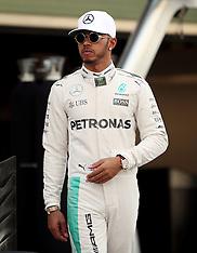 Abu Dhabi- Mercedes Team Photo Before Grand Prix - 27 Nov 2016