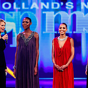 NLD/Hilversum/20141027 - Finale Holland Next Top Model 2014, Anouk Smulders, Aisha Kazumba, Debbie Dhillon, Nicky Opheij