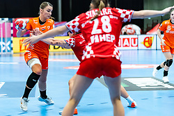 Larissa Nusser of Netherlands in action during the Women's EHF Euro 2020 match between Croatia and Netherlands at Sydbank Arena on december 06, 2020 in Kolding, Denmark (Photo by RHF Agency/Ronald Hoogendoorn)