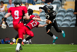 East Kilbride Pirates wide receiver diving catch - Mandatory by-line: Jason Brown/JMP - 27/08/2016 - AMERICAN FOOTBALL - Sixways Stadium - Worcester, England - Kent Exiles v East Kilbride Pirates - BAFA Britbowl Finals Day