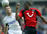 Fotball<br /> Bundesliga 2003/04<br /> Hannover 96 v Eintracht Frankfurt<br /> 8.mai 2004<br /> Foto: Digitalsport<br /> NORWAY ONLY<br /> <br /> Alexander SCHUR, Mohamadou IDRISSOU