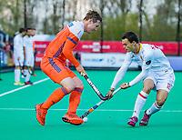 ROTTERDAM - Floris Wortelboer (NED)  met Xavier Gispert (Spain)      tijdens   de Pro League hockeywedstrijd heren, Nederland-Spanje (4-0) .  COPYRIGHT KOEN SUYK