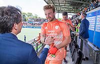 AMSTELVEEN - Oranje haalt het goud op. Mink van der Weerden (Ned)    , links Stefan Veen.    EK hockey, finale Nederland-Duitsland 2-2. mannen.  Nederland wint de shoot outs en is Europees Kampioen.  COPYRIGHT KOEN SUYK