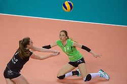 20-02-2016 NED: Coolen Alterno - Eurosped TVT, Almere<br /> Eurosped wint met 3-2 van Alterno en speelt morgen de finale / Rosita Blomenkamp #1 of Alterno