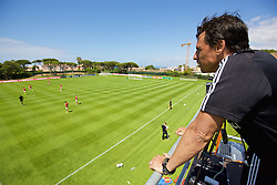 VALE DO LOBO, PORTUGAL - Sunday, May 29, 2016: Wales' manager Chris Coleman watches a Wales v Wales training match on day six of the pre-UEFA Euro 2016 training camp at the Vale Do Lobo resort in Portugal. (Pic by David Rawcliffe/Propaganda)